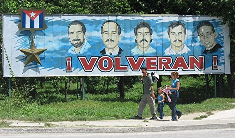 Billboard calling for the return of the Cuban Five Photo: cubanismo.net
