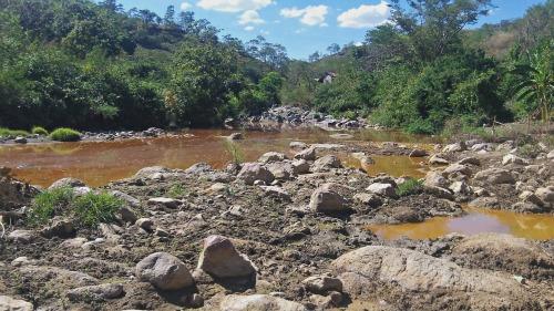 contaminated river el salvador