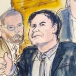 """12.02.2019, USA, New York: Joaquin """"El Chapo"""" Guzman (2.v.r) begleitet von US-Marshalls gestikulier als er den Gerichtssaal verlässt. er mexikanische Drogenboss """"El Chapo"""" ist in seinem Strafprozess schuldig gesprochen worden. Foto: Elizabeth Williams/AP/dpa +++ dpa-Bildfunk +++"""